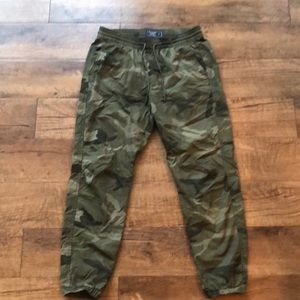 Abercrombie and Fitch Camo Jogger Pants Size Small